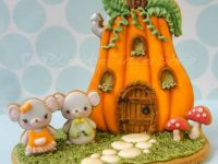3D Gingerbread Pumpkin house