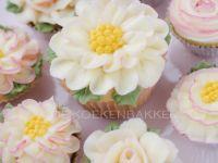Buttercreme flower cupcakes