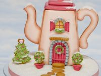 Gingerbread Teapot House